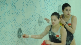 Zašto se olimpijski skakači u vodu tuširaju posle svake runde?